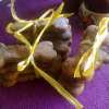 Thumbnail image for Give a Dog a Bone(-Shaped Vegan Dog Biscuit) – Cruelty-Free Training Treats for Dogs