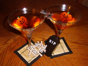 Halloween cocktail recipes spooky and vegan for Halloween punch recipes with vodka